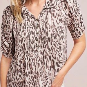 Anthropologie Tops - Anthropologie Maeve Leopard Print Blouse Size 4